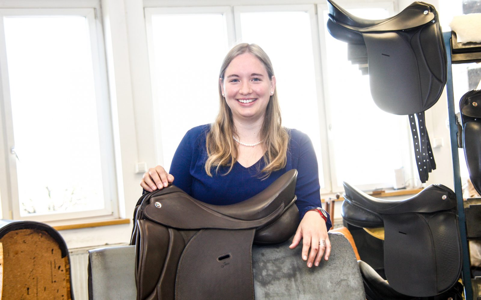 Christine Niedersüß in der Werkstatt